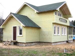 Дом из бруса, отделка блок-хаус